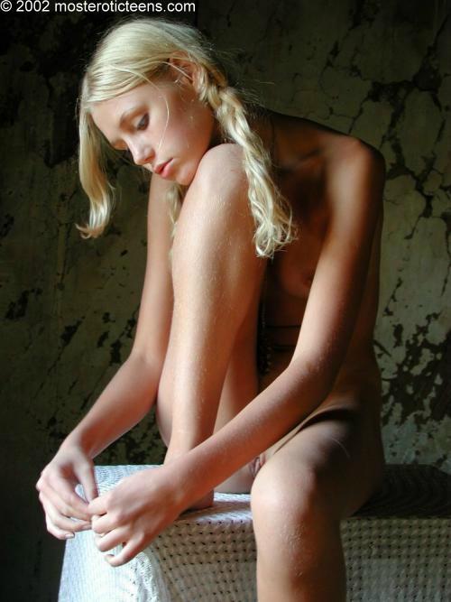Naked venezuela
