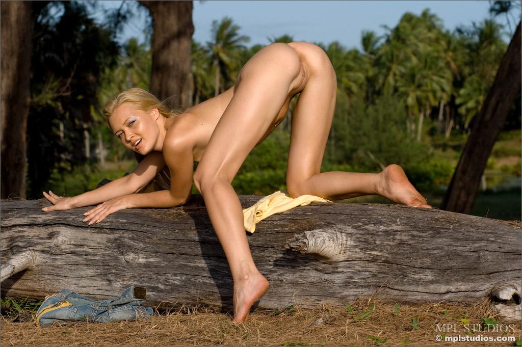 Will Fantasy adult naken women think