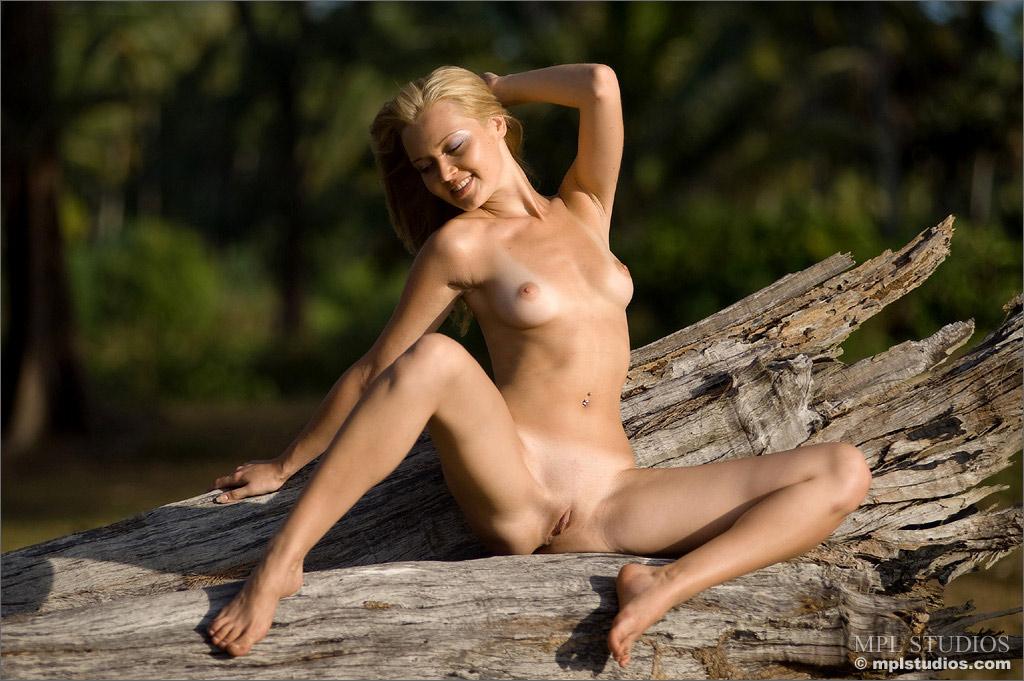 naked young girls fantasy